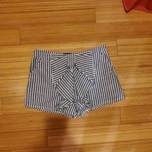 Bow blue and white striped shorts